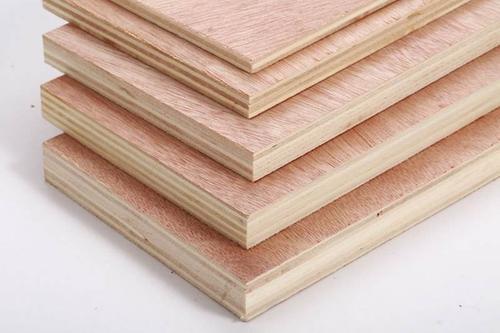 胶合板的厚度受什么材料影响